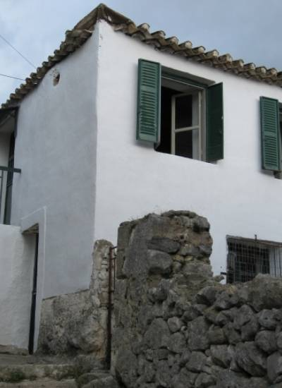 Stone house in Prosilio - 30.000 euro