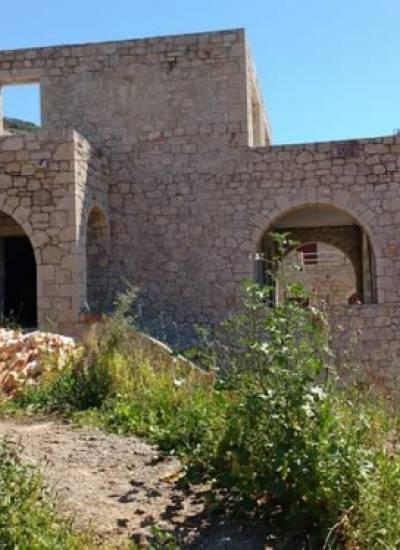 Half- finished detached house - 130.000 euro