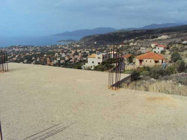 Concrete shell with stunning views, Neochori - €100,000