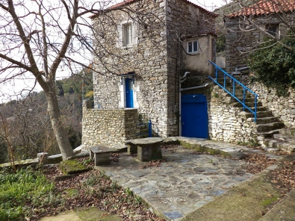 Village house in Kastania €130,000